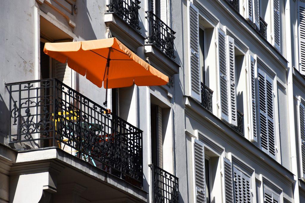 Sonnen- und Hitzeschutz für Zuhause - Der Sonnenschirm