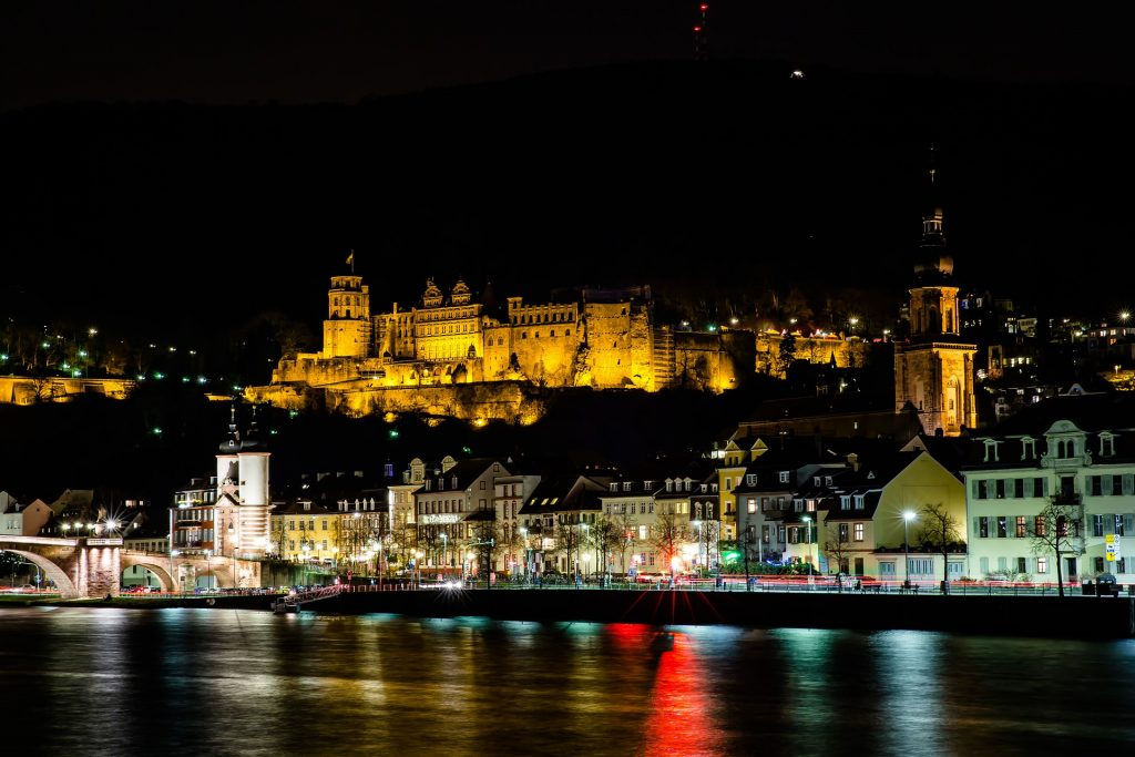 Das Heidelberger Schloss bei Nacht